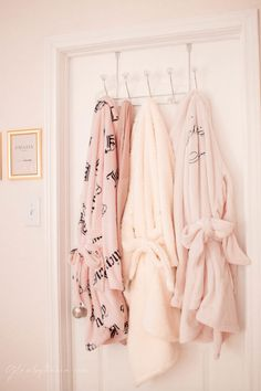 Pink Walk in Closet & Beauty Room Reveal Teen Bedroom Designs, Master Bedroom Design, Bathroom Makeup Storage, Plug In Chandelier, Cube Storage Shelves, Closet Storage, Tall Drawers, Royal Bedroom, Vanity Room