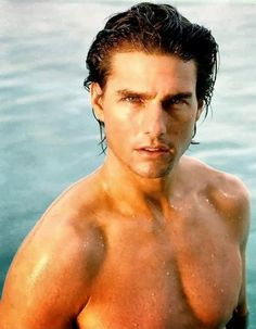 Tom Cruise is famous Hollywood actor.Here you get Tom Cruise daily workout and diet plan for maintaining body.