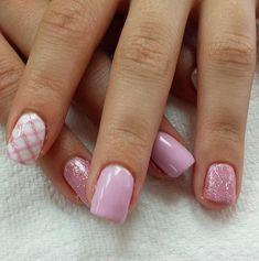 Pink Plaid // Spring Nail Art Ideas