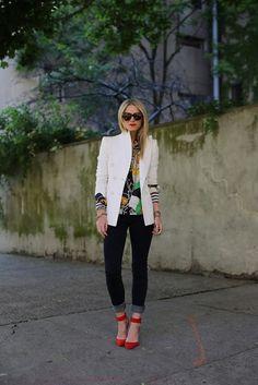 Street style + white blazer + dark denim jeans + printed shirt