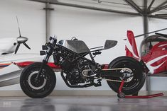 A Yamaha revamped by CCW in Moscow Yamaha Cafe Racer, Yamaha Motorcycles, Custom Motorcycles, Custom Bikes, Cafe Racers, Cafe Bike, Custom Baggers, Motocross Bikes, Bobber Motorcycle