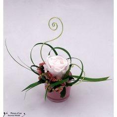1 million+ Stunning Free Images to Use Anywhere Deco Floral, Floral Design, Art Floral, Ikebana Arrangements, Floral Arrangements, Party Table Decorations, Flower Decorations, Red Rose Love, Fleur Design