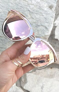 Sunnies - Rose Gold Too pretty, to be true. We're crushing hard on these. Let them stop and stare. These signature Sunnies have become one of our most popular among many cel Cute Sunglasses, Ray Ban Sunglasses, Sunglasses Women, Summer Sunglasses, Luxury Sunglasses, Lunette Style, Jewelry Accessories, Fashion Accessories, Girly Things