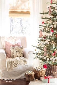 Our Bedroom's Old Fashioned Christmas Tree - Sincerely, Marie Designs - Our Bedroom's Old Fashioned Christmas Tree - Old Fashion Christmas Tree, Retro Christmas, Christmas Diy, Christmas Decorations, Christmas Trees, Country Christmas, Christmas Christmas, Cottage Christmas, Old Fashioned Love
