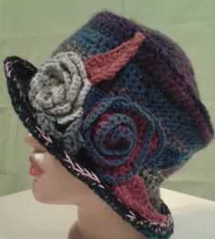 crochet freeform hat with flowers Easy Crochet Stitches, Crochet Square Patterns, Baby Knitting Patterns, Free Crochet, Funky Hats, Crochet Coat, Freeform Crochet, Crochet Accessories, Knitted Hats