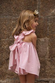 Ruffly goodness.  No sin Valentina.  #designer #kids #fashion