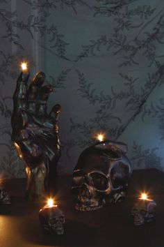 American black skull candles. these are phenominal and i must make them.