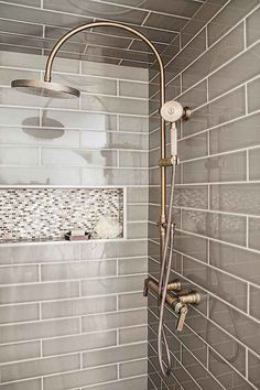 Bathroom shower tile ideas are a lot in choices. Grab some inspirations here and check out these shower tile ideas to revamp your old bathroom shower! Tile Shower Niche, Shower Tile Designs, Shower Doors, Bathroom Designs, Bathtub Tile, Shower Units, Ideas Baños, Tile Ideas, Decor Ideas
