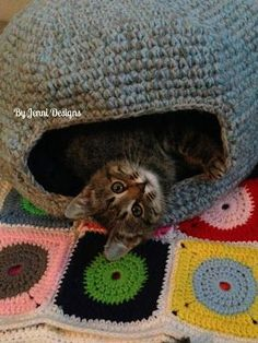 FREE CROCHET PATTERN: Marley's Cat Cave (or Bed) By Jenni Designs: