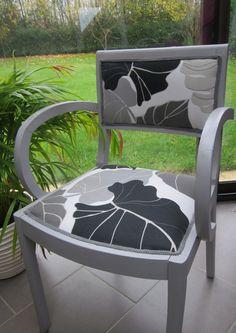 banquette bacchus ancien lit en fer forg gris fonc avec matelas et 5 coussins meubles et. Black Bedroom Furniture Sets. Home Design Ideas