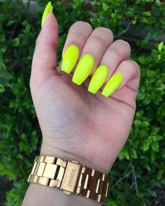 Spring acrylic nails coffin luxury neon green acrylic nails - www Neon Yellow Nails, Neon Nails, Matte Nails, Stiletto Nails, My Nails, Coffin Nails, Lime Green Nails, Colourful Nails, Uñas Color Neon