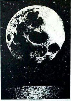 Skull and the moon at night, absolutely perfect. Tattoo Mond, Art Noir, Totenkopf Tattoos, Arte Obscura, Skull And Bones, Psychedelic Art, Skull Art, Dark Art, Fantasy Art