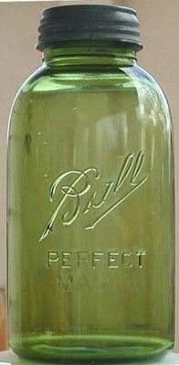 vintage green mason jar I'm in love! THIS is fantastic! Antique Glassware, Antique Bottles, Vintage Bottles, Bottles And Jars, Glass Bottles, Ball Canning Jars, Ball Jars, Vintage Mason Jars, Blue Mason Jars