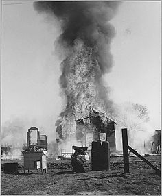 Across Natomas Levee, Sacramento, Sacramento County, California. Disasters of shacktown communities . ., 02/19/1940Across Natomas Levee, Sacramento, Sacramento County, California. Disasters of shacktown communities. ... This settlement is just outside the city limits. No police or fire protection, and no nearby telephone. Home of young family from Oklahoma. Husband works in a cannery, house self-built. Young mother bemoaned loss of her canned food more than the loss of her household…
