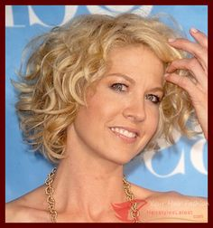Hairstyles 2016 Maintenance Short Haircuts For Wavy Hair,Mostly women appear to be anxious with their quick wavy hairs and she or he takes the way in which to saloon for making type with them. But anticipate... Check more at http://hairstyleslatest.com/1423/maintenance-short-haircuts-for-wavy-hair/