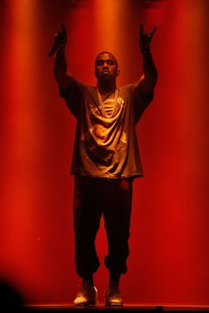 Kanye West Wallpaper, Black Wallpaper, Iphone Wallpaper, Yeezy Fashion, Women's Fashion, Wall Papers, Bad Girl Aesthetic, Hypebeast, Style Icons