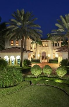 Admirals Cove is full of magnificent South Florida homes! http://www.waterfront-properties.com/jupiteradmiralscove.php