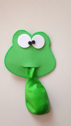 Souvenirs o detalles especiales para fiestas infantiles. Frog Crafts, Preschool Crafts, Diy And Crafts, Arts And Crafts, Paper Crafts, Frogs Preschool, Diy For Kids, Crafts For Kids, Frog Activities