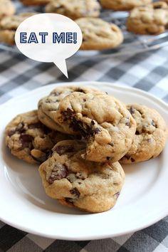 Wicked sweet kitchen: Chocolate chip cookies / Amerikkalaiset suklaahippukeksit