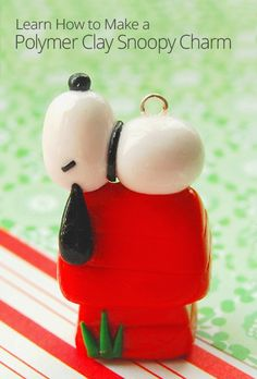 DIY Polymer Clay Snoopy Charm pinning because i LOVE snoopy Fimo Polymer Clay, Polymer Clay Ornaments, Polymer Clay Christmas, Polymer Clay Animals, Polymer Clay Projects, Polymer Clay Creations, Clay Crafts, Polymer Clay Jewelry, Clay Earrings