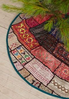 A Beautiful Bohemian Christmas: How To Add Boho Style To Your Holiday Decor - - How to add Boho style to your holiday decor. Have a boho style Christmas. Bohemian Christmas, Noel Christmas, All Things Christmas, Christmas Patchwork, Christmas Outfits, Scandinavian Christmas, Christmas Stockings, Holiday Crafts, Holiday Fun