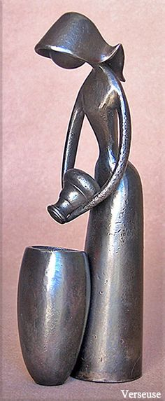 Verseuse ! Human Sculpture, Sculpture Clay, Art Carved, Old Art, Stone Art, Metal Art, Sculpting, Bronze, Ideas