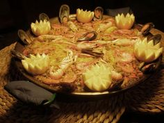 Paella de marisco + ensalada + postre o café 16,50