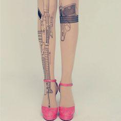 Вооружена и опасна - колготки в стиле татуировок #КОЛГОТКИ #ТАТУИРОВКА #ОРУЖИЕ #ПИСТОЛЕТ