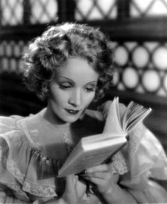 Marlene Dietrich reading in Rouben Mamoulian's pre-code romantic drama The Song of Songs (Paramount Pictures, Cinematography by Victor Milner. / src IMDb more [+] Marlene Dietrich posts People Reading, Book People, Woman Reading, Marlene Dietrich, Groucho Marx, Classic Hollywood, Old Hollywood, Hollywood Style, Hollywood Actresses