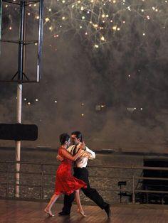 Inspiration for tango photoshoot Types Of Ballroom Dances, Ballroom Dancing, Latin Dance, Dance Art, Salsa Bachata, Tango Dancers, Argentine Tango, Salsa Dancing, Paris Art