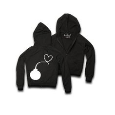 not only features an artistic, pacifist graphic, but is made with a nice, loose fit—for that time of day when your only responsibility is to relax. Plus Size Fashion, High Fashion, Cold Front, Tech Accessories, Night Out, Hoodies, My Style, Loose Fit, Haute Couture