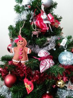 Shabby chic vintage Christmas tree decorations