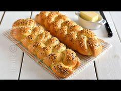 Reteta de paine impletita este preferata mea la ceas de sarbatoare sau pentru orice ocazie speciala. Dupa cum stiti deja, ador sa framant. Ma relaxeaza... My Recipes, Bread Recipes, Cake Recipes, Cooking Recipes, Favorite Recipes, Bread Recipe Video, Braided Bread, Cooking Bread, Romanian Food