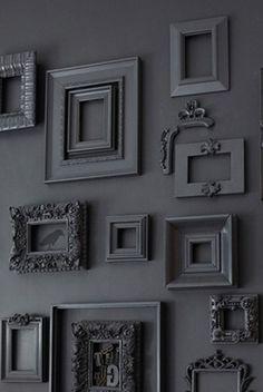 Dark grey frames on dark grey walls Staircase Wall Decor, Diy Wall Decor, Diy Home Decor, Goth Home, Gothic Home Decor, Gothic House, Frames On Wall, Empty Frames, Elle Decor