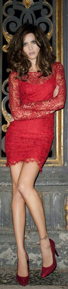 Izabelli Fontana red lace dress