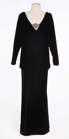 """Barbra Streisand Black velvet dress designed by Irene Sharaff from """"My Man"""" number in Funny Girl"""