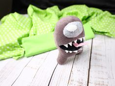 Imposter Plush To Sew For Your Gamer Kid #amonguscrafts #diyamongus Sewing Projects For Kids, Sewing For Kids, Diy Plush Toys, Sewing Patterns Free, Free Sewing, Skyrim Funny, Home Sew, Plush Pattern, Games For Kids