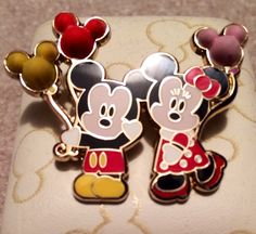 Mickey & Minnie cutie pin