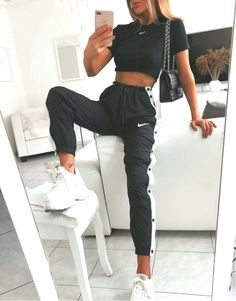 Cute Lazy Outfits, Sporty Outfits, Mode Outfits, Stylish Outfits, Teen Fashion Outfits, Outfits For Teens, Looks Adidas, Teenager Outfits, Mode Style