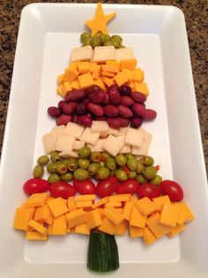 My cheddar, parmigiano and olives Christmas tree