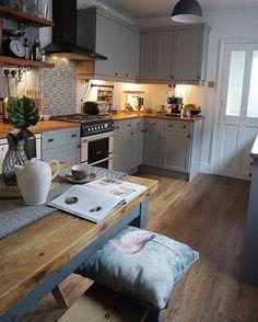 This image may contain: kitchen . - Küche/Esszimmer - Home Sweet Home Home Decor Kitchen, Kitchen Interior, New Kitchen, Home Kitchens, Kitchen Design, Kitchen Ideas, Rustic Kitchen, Hickory Kitchen, Cozy Kitchen