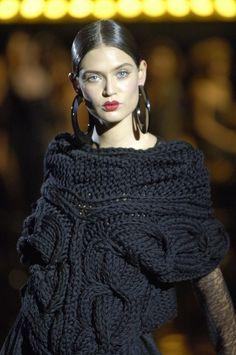 knitwear no pattern or ? Knitwear Fashion, Knit Fashion, Knit Art, Knitting Wool, Knitting Designs, Pulls, Ideias Fashion, Knit Crochet, Creations