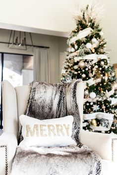 ADDING GLAM CHRISTMAS DECOR