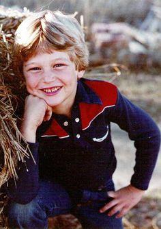 Guess who....young Blake Shelton