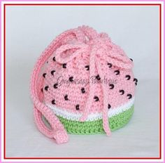 """The location where building and construction meets style, beaded crochet is the act of using beads to decorate crocheted products. """"Crochet"""" is derived fro Crochet Girls, Crochet Home, Crochet Crafts, Crochet Projects, Crochet Shell Stitch, Bead Crochet, Crochet Stitches, Crochet Handbags, Crochet Purses"""
