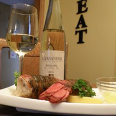 February 3, 2013 - Aleksander Estate Winery Riesling 2011 with lobster tails    Super Bowl Sunday!                 Pop the cork, pre game until kickoff !     Featuring...Aleksander Estate Winery     read more ....  http://www.essexcountywineries.ca/wines/2013/20130203.htm