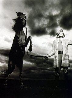 """Photographer : Helmut Newton - Vogue Paris 1970 - """"Belle et Bêtes"""" - Horse/Cheval  www.pegasebuzz.com/leblog"""