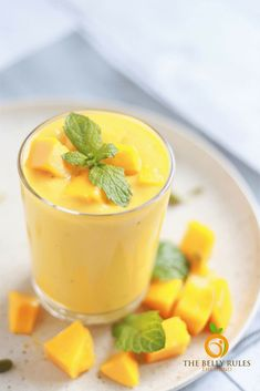 Vegan or not,you are going to love this smoothie-like Vegan Mango Coconut Lassi even more than the restaurant Mango Lassi.5 Ingredients+Naturally Sweetened Healthy Eating Recipes, Easy Healthy Recipes, Coconut Milk Calories, Cheap Meals, Easy Meals, Good Food, Yummy Food, Tasty, Mango Lassi
