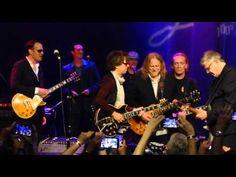 Miller, Bonamassa, Vai, Schon, Satriani, Haynes - I'm Tore Down - 6/9/15 Les Paul Celebration - YouTube