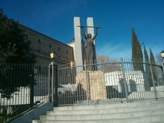Monumento a la gesta del Alcázar en #Toledo (#España).